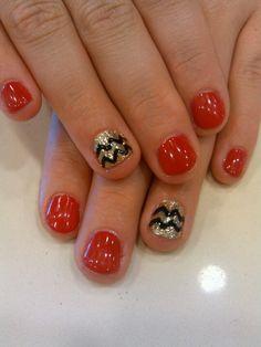 Chevron nail art shellac
