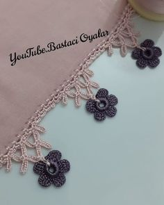 Crochet Borders, Crochet Lace, Neckline Designs, Embroidery On Clothes, Baby Knitting Patterns, Diy And Crafts, Crochet Necklace, Projects To Try, Instagram
