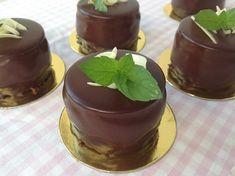 Mátové dortíčky - Víkendové pečení Mojito, Cheesecake, Pudding, Cupcakes, Pizza, Food, Cupcake Cakes, Cheesecakes, Custard Pudding
