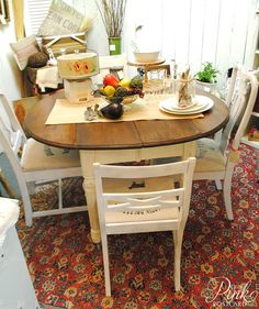 Nook table cottage