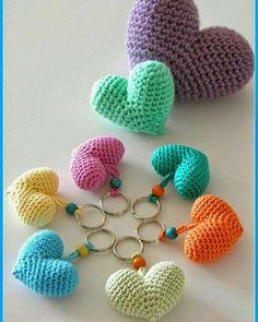 #croche #amocroche #amigurumi #artesanatoemcroche #artesanato #chaveiro #coração #aracaju #semprecirculo by maryartesanatosemcroche