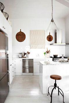 Interior Stylist Kara Rosenlund Redefines Rustic Minimalism.