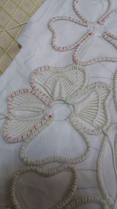 Image gallery – Page 396457573446715190 – Artofit Embroidered Lace Fabric, Embroidery Fabric, Cross Stitch Embroidery, Embroidery Patterns, Crochet Patterns, Crochet Cord, Crochet Lace, Crochet Stitches, Wedding Dress Quilt
