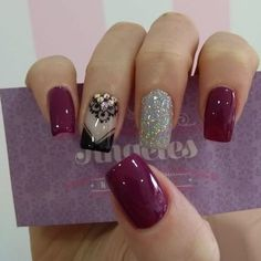 While some women like their nails to be long, the others find short nails practical. Check most stunning short nails designs for your inspiration. Fancy Nails, Love Nails, My Nails, Fingernail Designs, Nail Art Designs, Stylish Nails, Trendy Nails, Beautiful Nail Designs, Nail Spa