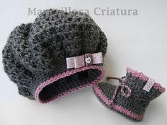 Botas de bebé y gorro de bebé gris con lunares  de Maravillosa Criatura por DaWanda.com #babyschuhe #babymütze #zapatosbebé #gorrobebé