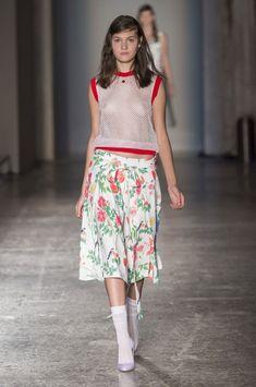 Arthur Arbesser at Milan Fashion Week Spring 2016 - Runway Photos Fashion Oops, Fashion Models, Fashion Show, Fashion Design, Fashion Trends, Chic Outfits, Fashion Outfits, Womens Fashion, Zooey Deschanel Style