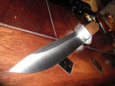 Western western kés, hagyományos kés; kézműves kés; kultikus kés; tradicionális kés, Bowie kés; traditional knife; handmade knife; outdoor knife; cultic knife; cultual knife; western knife, Bowie knife; traditionelles Messer; handgemachtes Messer; Kult Messer вестерн нож; традиционный нож; ремеслo; культ нож; нож Боуи Outdoor Knife, Tactical Knife, Handmade Knives, Bowie, Handmade Crafts, Traditional, Steel, Steel Grades, Tactical Knives