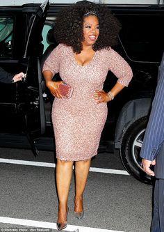 Oprah - Plus size curvy red carpet dress celebrity fashion Oprah Winfrey, Plus Size Cocktail Dresses, Plus Size Dresses, Plus Size Outfits, Curvy Fashion, Plus Size Fashion, Girl Fashion, Xl Mode, Vestidos Plus Size