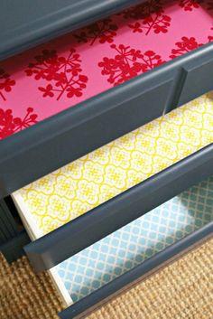 Gavetas com interior de papel colorido