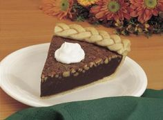 Hershey's Kitchens | Fudgey Mocha Nut Pie