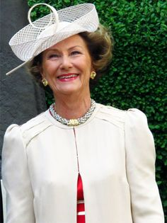 Queen Sonja of Norway wore a Sylvia Fletcher hat for Lock & Co in white to Prince William and Kate Middleton's wedding on April 29, 2011. #passion4hats