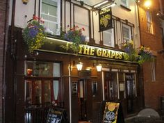 The Grapes Pub - Matthews Street Liverpool