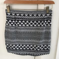 Sparkle & Fade Geometric Mini Skirt Never been worn! No trades but offers welcome! Urban Outfitters Skirts Mini
