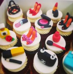 These cupcakes and the others just look amazing <3 Have a great day everyone!