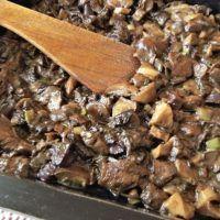 5 x variace na houbovou smaženici | ReceptyOnLine.cz - kuchařka, recepty a inspirace Almond, Beef, Cooking, Food, Kochen, Meat, Kitchen, Almond Joy, Meals