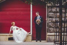 Judit és Gábor esetében a kreatív fotózás nem az esküvő napjába lett besűrítve, hanem még a szertartást megelőző napok egyikében készítettük el a sorozatot. Wedding Blog, Our Wedding, Budapest, Wedding Dresses, Fashion, Bride Dresses, Moda, Bridal Gowns, Fashion Styles