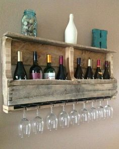 Create Rustic DIY Furniture With Pallets: Wine Rack......