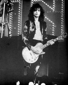 Jimmy Page (Led Zeppelin) Great Bands, Cool Bands, Achilles Last Stand, Led Zeppelin Live, John Paul Jones, John Bonham, Whole Lotta Love, Jimmy Page, Robert Plant