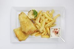 Fork buffet - Classic battered fish & chips with tartar sauce and a garnish of fresh lemon