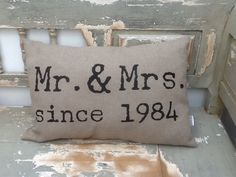 Kussen voor een jubileum. www.just-m.nl cadeau bruiloft 25th Anniversary Gifts, Wedding Anniversary, Bf Gifts, Party Gifts, Diy Presents, Happy B Day, Silhouette Cameo Projects, Homemade Gifts, Wedding Gifts