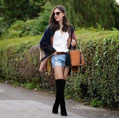 Todas temos alguma blogger que seguimos e gostamos, eu não sou diferente, tenho algumas preferidas, muito mais pelo estilo e pelas fotos do que pelo glamour que representam, Alba é uma delas, adoro as combinações e repetições de peças na composição dos looks. Bota e jeans