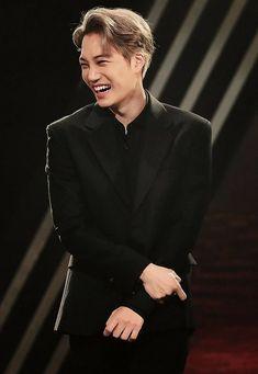 When he laugh,he still handsomeeeeee Exo Kai, Chanyeol Baekhyun, Bts And Exo, Kpop Exo, Kaisoo, Chanbaek, Taemin, Got7, Culture Pop