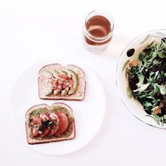 """SANDRA CHANG: """"Today's breakfast situation ~ homemade avocado toast & salad ft. @thinteadetoxtea  ThinTea cleanses and detoxifies, reduces bloating, and helps keep you energized throughout the day """""""