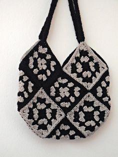 big crochet bag with granny squares in black by IlmondodiTabitha