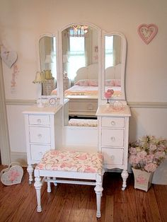 Classic Antique White Vanity with Tri-fold Mirror and Bench