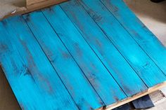 Learn to make a double sided rustic wood photo backdrop with this simple tutorial. Diy Photo Backdrop, Photo Props, Photo Backdrops, Backdrop Ideas, Photo Booth, Accessoires Photo, Diy Foto, Photography Backdrops, Photography Studios