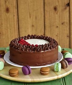 Pradobroty: Dort s extra kakaovým korpusem a pařížským a vanil. Tiramisu, Delicious Desserts, Brownies, Cheesecake, Food And Drink, Cupcakes, Tasty, Cookies, Ethnic Recipes