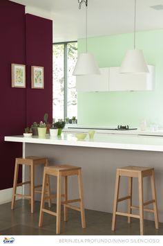 Kitchen set up Kitchen Set Up, Kitchen Colors, Mint Kitchen, Glidden Paint Colors, Deco Cool, Design Bleu, Trending Paint Colors, Color Lila, Colored Ceiling