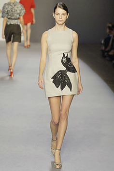 Giambattista Valli Spring 2007 Ready-to-Wear Collection on Style.com: Complete Collection