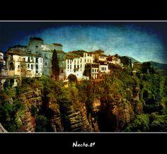 Casas sobre la ladera del tajo de Ronda
