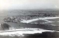News South Africa, Durban South Africa, Historical Society, Historical Photos, Airplane View, Paris Skyline, River, History, City