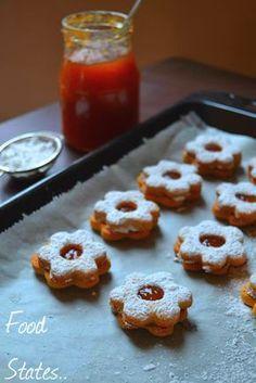 Μπισκοτάκια με μαρμελάδα - Food States Greek Sweets, Greek Desserts, Greek Recipes, Linzer Cookies, Apple Muffins, Christmas Cooking, Biscotti, Cupcake Cakes, Cupcakes