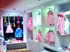 Window Display - VM - Store Interior - ivly Clothing