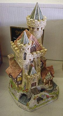 David Winter Cottages 1994 Guardian Castle #4578 of 8490 with COA