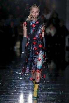 Prada Fall 2018 Ready-to-wear Milan Collection - Vogue