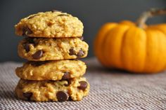 These pumpkin chocolate chip cookies are a MUST try this fall! Perfectly soft & chewy pumpkin chocolate chip cookies without being cakey.Take pumpkin, pair it with chocolate chip cookies, and there's no doubt it's a winning dessert recipe Healthy Pumpkin, Vegan Pumpkin, Pumpkin Recipes, Canned Pumpkin, Pumpkin Puree, Pumpkin Chocolate Chip Cookies, Chocolate Chip Oatmeal, Vegan Chocolate, Vegan Oatmeal