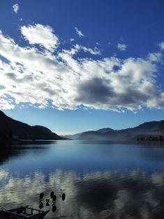 Nuvole in viaggio sopra il lago del 19 gennaio. Omegna, Lago d'Orta, Piemonte.