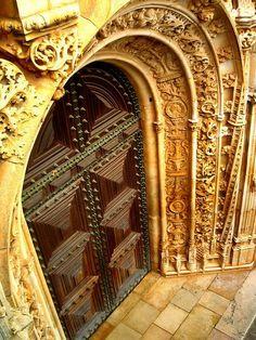 Porta do Mosteiro da Batalha, Portugal