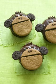 Monkey Around Cupcakes  http://www.parents.com/blogs/goodyblog/2009/11/the-cupcake-craze-continues-2/  Xs and O-rangatans