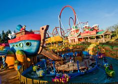 Experience the thrill of a theme park holiday. Book an unforgettable holiday with Canvas Holidays. Cedar Point, Disneyland, Popular Holiday Destinations, Mummy Sleeping Bag, Au Pair, Europe, Holiday Themes, Sandy Beaches, Family Camping