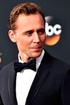 Tom Hiddleston attends the 68th Annual Primetime #Emmy Awards at Microsoft Theater. #TheNightManager Via torrilla. Click here for full resolution: https://pbs.twimg.com/media/CsrWu4RUMAE4UTd.jpg:large