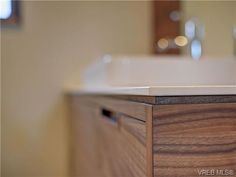 Bathroom countertop in Nieve #Neolith by The Size. Interior Design by Kyla Bidgood Interior Design