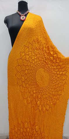 Presenting you with the Beautiful yellow color Dupatta with Red Bandhani done on it Which gives you Stunning Looks For more detail pls call to Linen Dress Pattern, Tunic Sewing Patterns, Dress Patterns, Bandhani Dress, Saree Dress, Bella Dresses, Little Girl Dresses, Long Kurti With Jeans, Pure Georgette Sarees