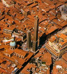 "Bologna: Due Torre!  The iconic ""two towers"" ... the tallest still standing built by a wealthy family back when that was what wealthy people did."