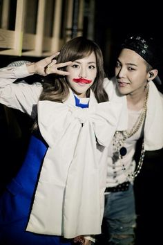 Dara's twitter update 04142014: GD&TOP..?!? No~ It's GD&San ! while waiting for the next stage at Osaka FamCon, with Jiyongie~ ^_^