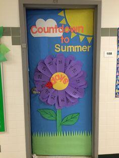 Countdown to Summer Daisy Flower Door